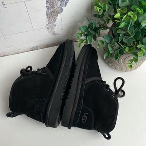 UGG🔴Neumel black winter boots Sz 9